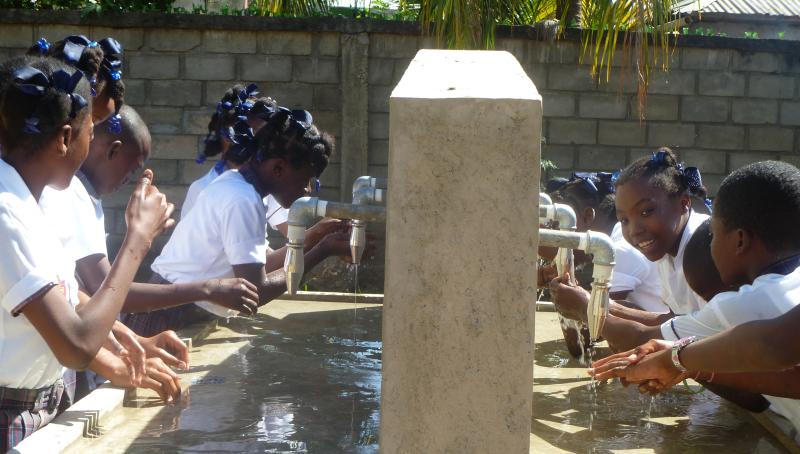 """Résultat de recherche d'images pour """"haiti, eau potable"""""""