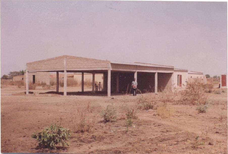 Construction DUne Maison  Mali  Ralis  Secours Tiers Monde