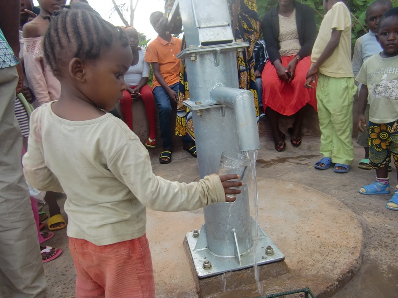 Construction d 39 un puits d 39 eau potable cameroun r alis for Construction d un puit